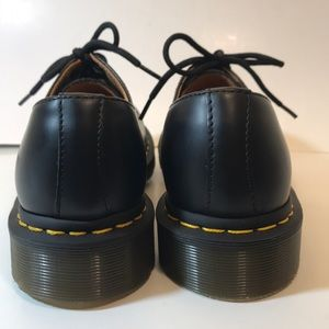 NEW Dr Martens 11837 Black Leather 3 Eye Shoes 7 NWT